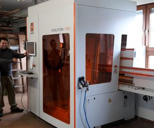 "The vertical machining center Evolution 7405 ""connect"" in use at joinery of our reference customer Pillmayer"